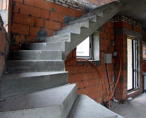 производство бетонных лестниц
