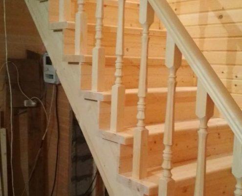 установка лестницы из дерева