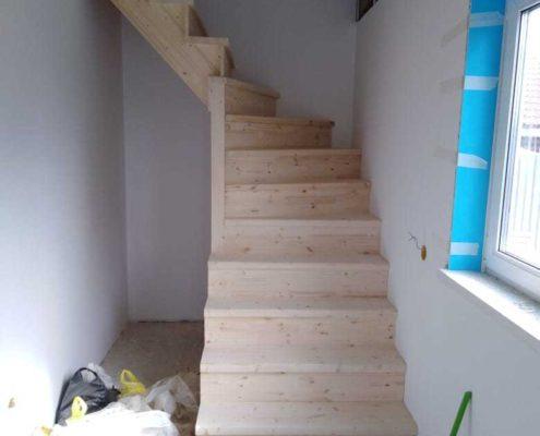 подобрать лестницу в загородный дом