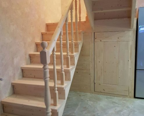 лестница из дерева под ключ