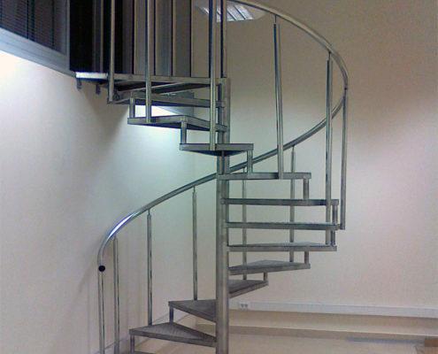 установка винтовой лестницы в москве